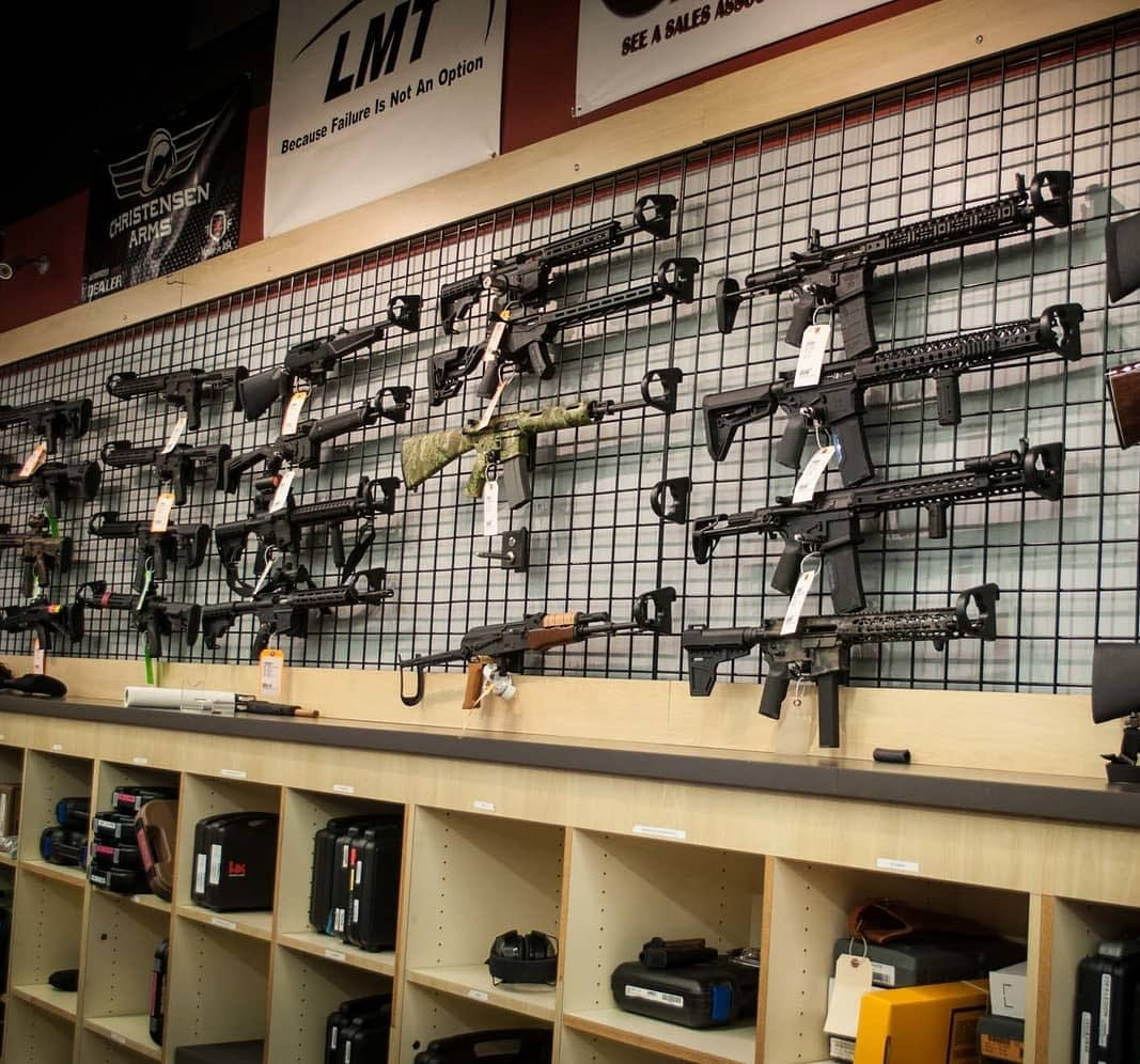 guns on wall in dickinson texas, the arms room